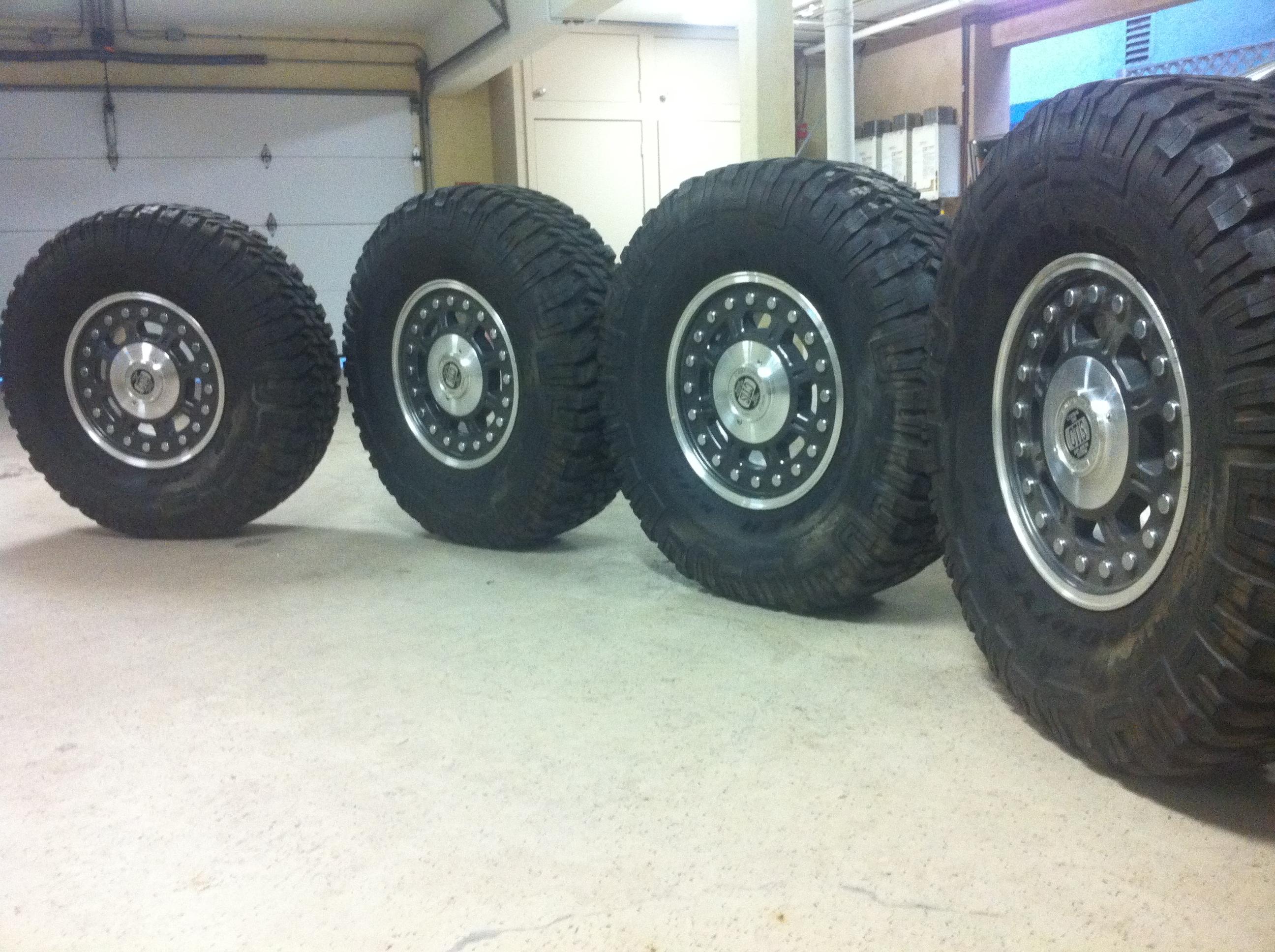 Recherche pneus & jantes Hummer H1  Img_2322